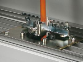 Cable clamping bracket