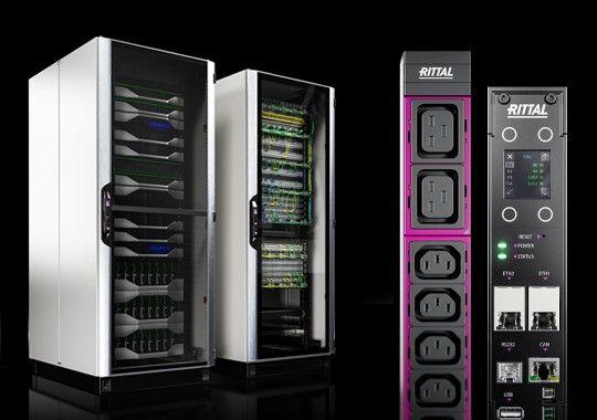 Eine unschlagbare Verbindung. Das neueste IT-Rack und die neue PDU-Generation.