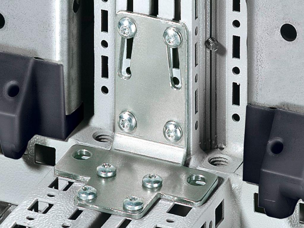 Angular baying bracket for TS/TS