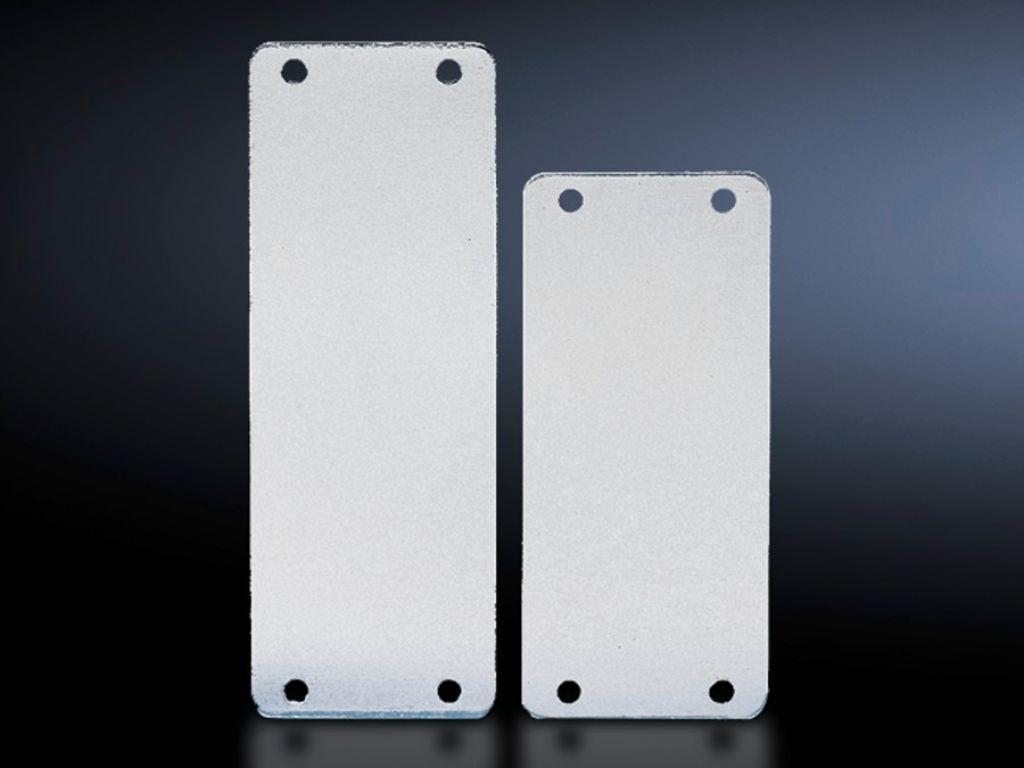 Abdeckplatte für Steckverbinder-Ausbrüche
