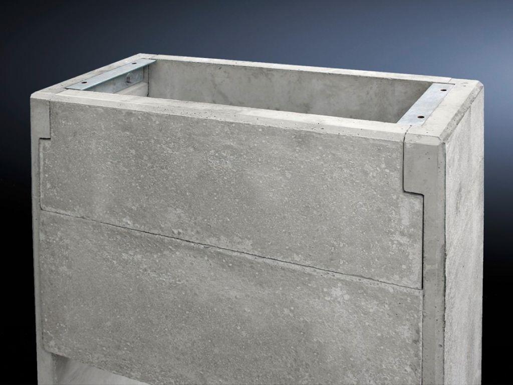 Base de concreto para os novos armários básicos CS