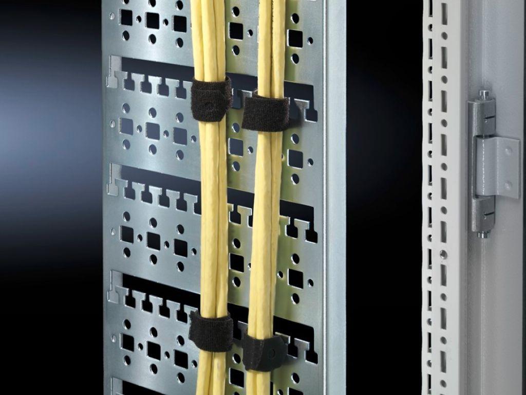 ケーブルルート、垂直型 TS 8用