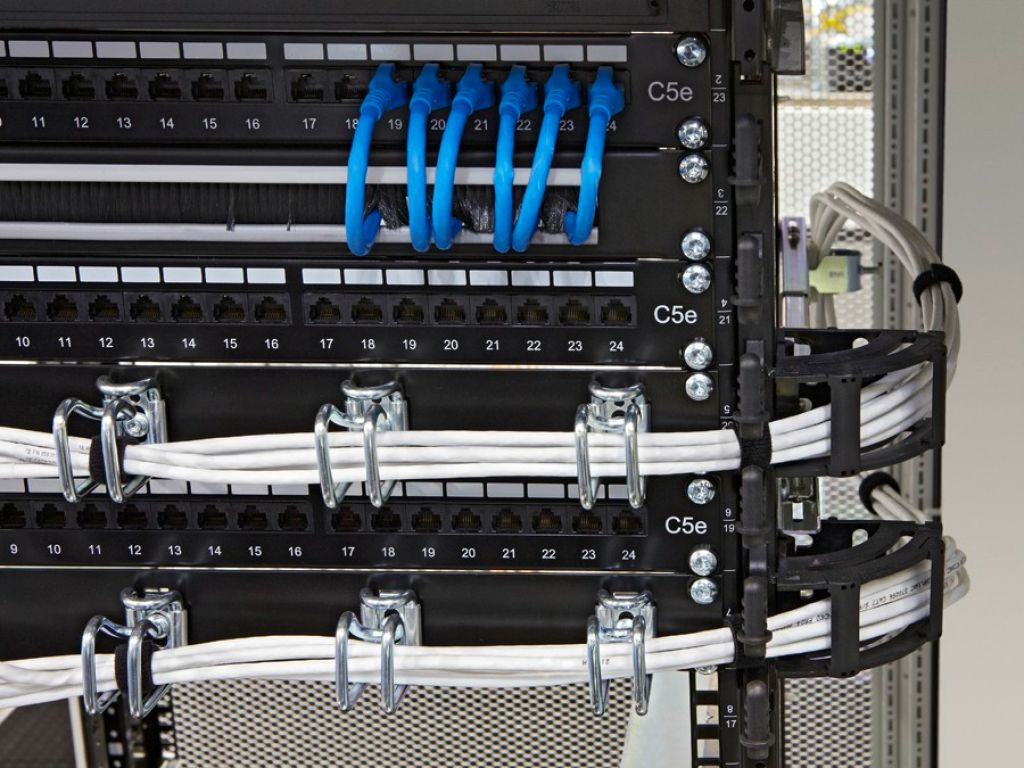 Cable manager