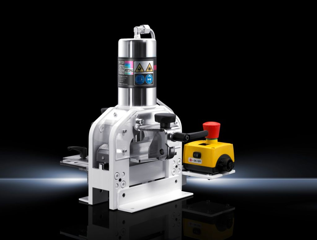 Machine à couper les barres de courant CW 120-S