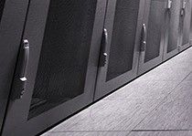 Asennuslattioita IT-laitetiloihin  ja teollisuuskohteisiin