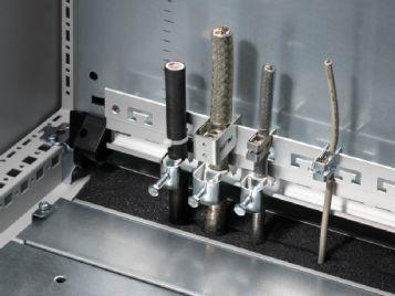 Szyna do wieszaka ekranowego EMC i zabezpieczenia przed naciągnięciem